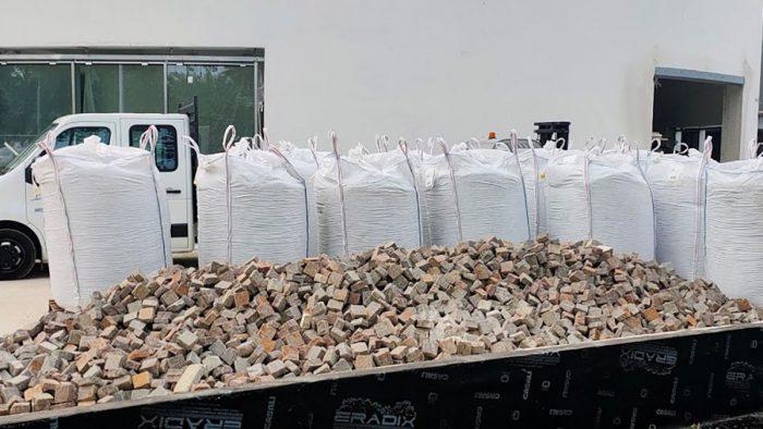 Pavimentazione in pietra pronta alla posa in cantiere